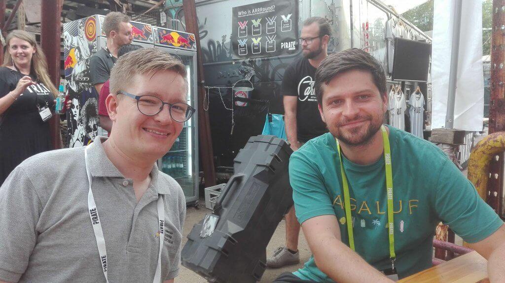 Daniel Bartel vom Bundesverband Deutsche Start und Florian Schmitt von lexrocket