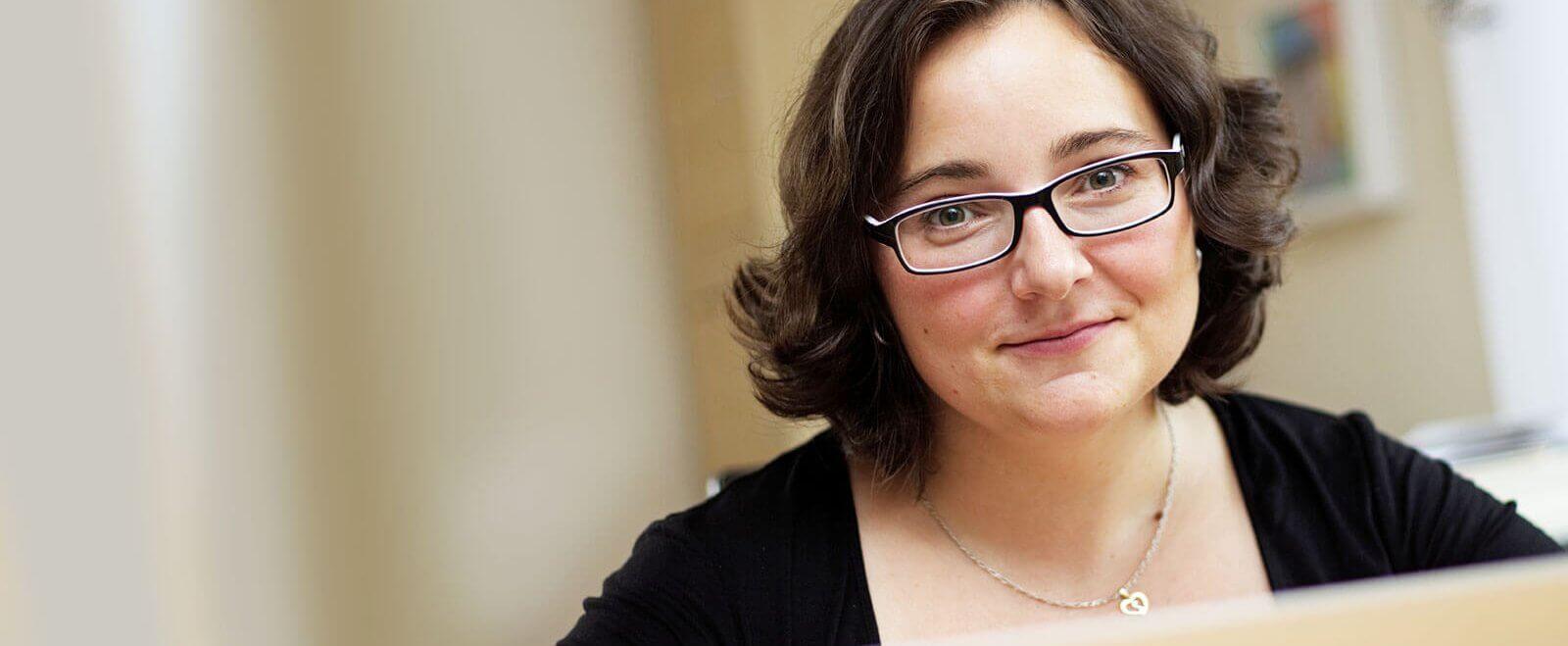 Sonia Schüttler ist als virtuelle Assistentin auf reibungslose digitale Lösungen angewiesen - und Spaß machen darf das natürlich auch.
