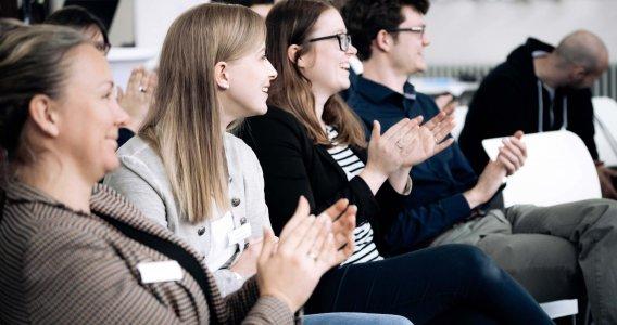 Die next Generation begeistert sich für digitale Prozesse in Kombination mit persönlicher Beratung