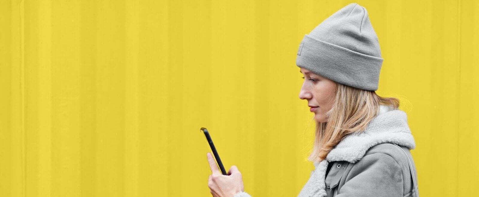 Sag's mit Pantone: Warum Trendfarben dein Marketing betreffen können