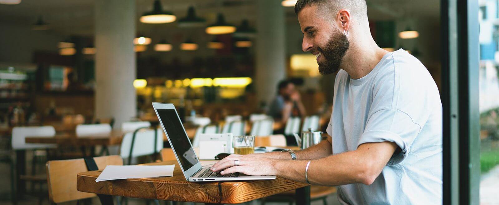 Risiken für Blogger: Leben Influencer gefährlich?