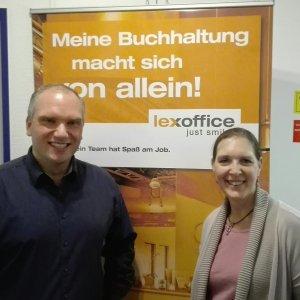 lexoffice Dozent Bastian Friedrich und Steuerberaterin Kathrin Kotz vom UFU e.V. in der Kanzlei in Erkrath