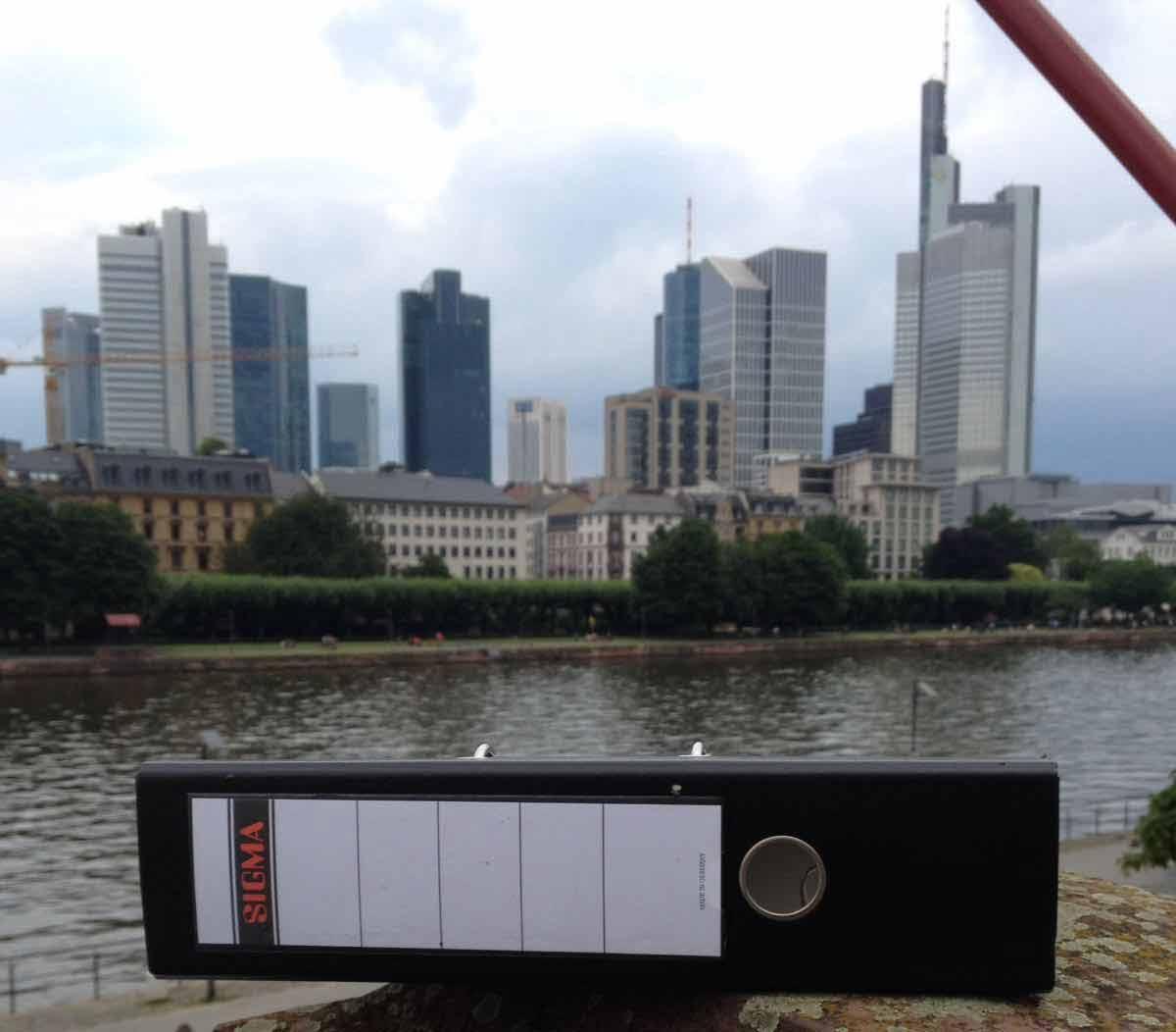 Pendelordner in Frankfurt